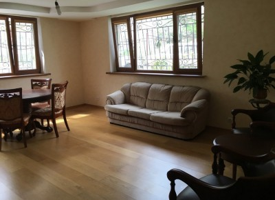 Продажа 5-комн. квартиры, 113 м², этаж 1 из 4