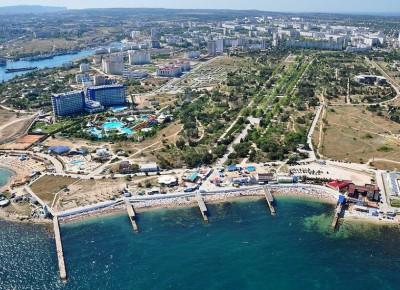 Продается 2 жилых дома, расположенных на земельном участке 10 соток с великолепным видом на море