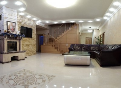 Продажа дома 292 м² на участке 10 соток
