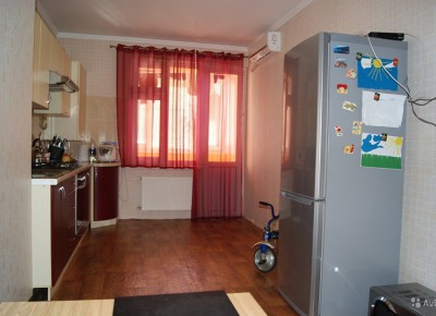 Продажа 1-комн. квартиры, 54.9 м², этаж 1 из 7