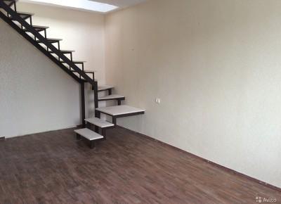 Продажа 4-комн. квартиры, 99 м², этаж 5 из 5