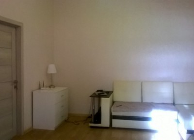 Продажа 2-комн. квартиры, 48 м², этаж 2 из 3