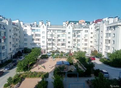 Продажа 2-комн. квартиры, 71.7 м², этаж 4 из 5