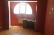 Продается трехкомнатная квартира в отличном состоянии, общая площадь – 80 кв.м., жилая – 47 кв.м., в г.Севастополь, по ул. А.Кесаева, рядом с рынком «Юмашева»