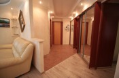 Продаётся элитная 3-х комнатная квартира, площадь 100 м2, этаж 1/2