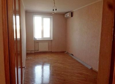 Отличная трехкомнатная квартира, хороший и тихий район.