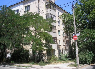 Продается  2 комнатная квартира пл.42 кв.м, 5/5 этаж ул.Бутакова 4