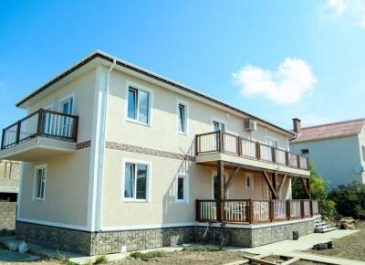 2-этажный дом 250 м² (кирпич) на участке 8.5 сот., в черте города