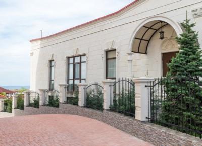 Продается элитный дом в светлом и духовном  месте близ заповедника «Херсонес Таврический» с панорамным видом на море, заповедник и храм