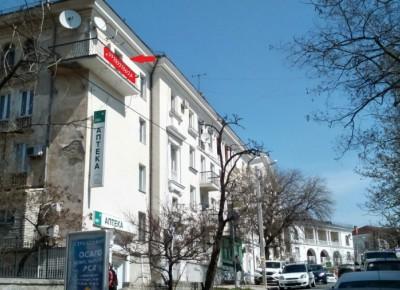 Продается 4-х комнатная квартира в центре города Севастополь